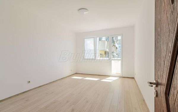 тристаен апартамент варна xnakthde