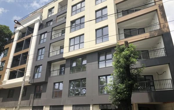 тристаен апартамент варна xvnyj7km