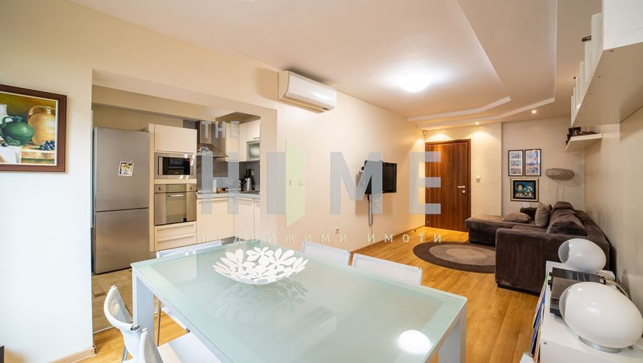 тристаен апартамент варна xyxrxf9x