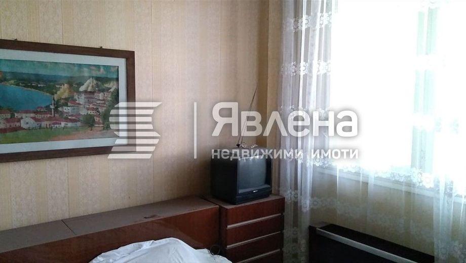 тристаен апартамент варна y59j34ad