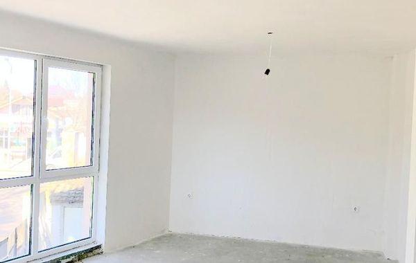 тристаен апартамент варна y63pdf99