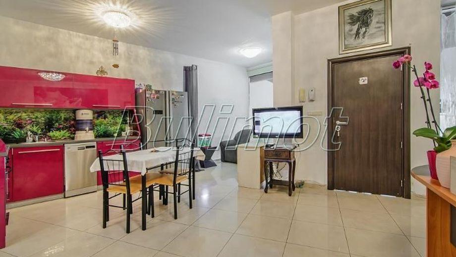 тристаен апартамент варна ya5s397d