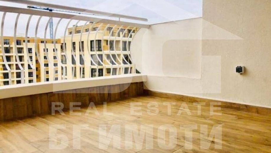 тристаен апартамент варна yb3513hx