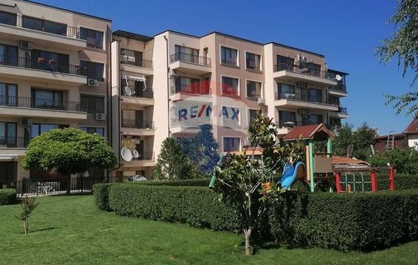 тристаен апартамент варна yr4nj483