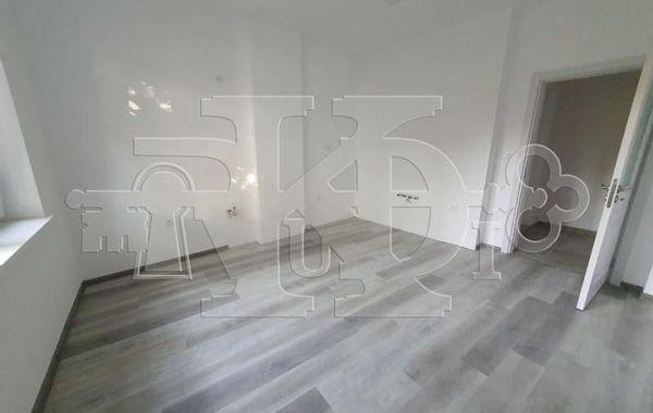 тристаен апартамент варна yt1ldvud
