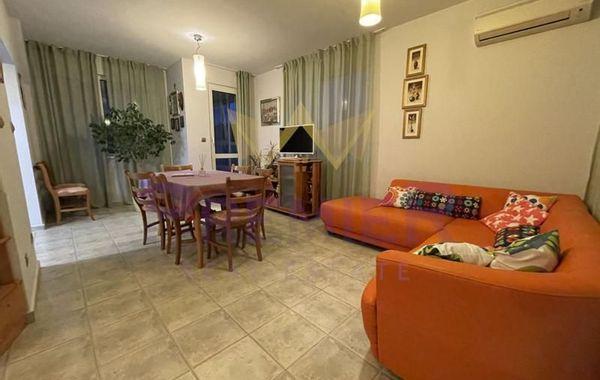 тристаен апартамент варна yun46nm5