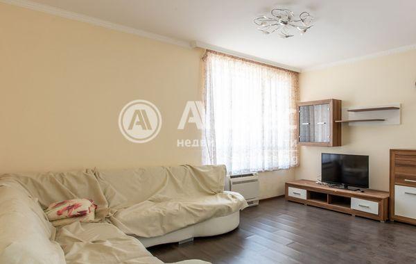 тристаен апартамент варна yvsbq5qm