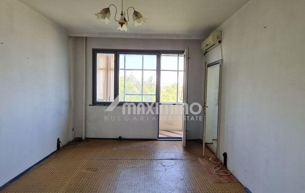 тристаен апартамент варна yy465cmh