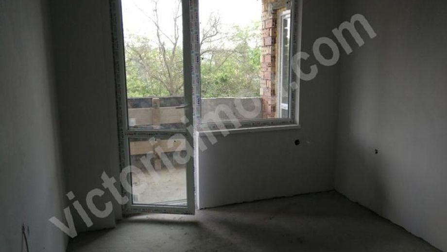 тристаен апартамент велико търново 23y4w3yg