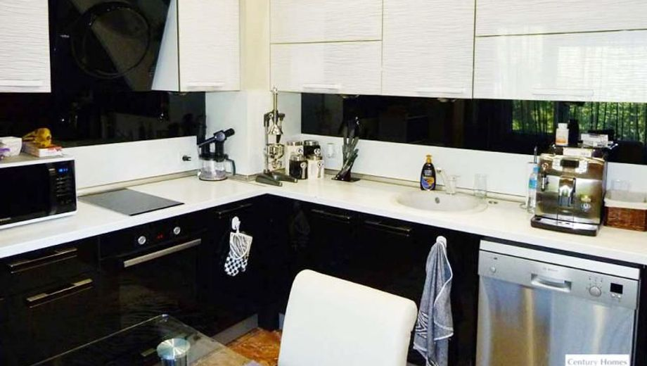 тристаен апартамент велико търново 2hqscm8l