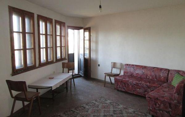 тристаен апартамент велико търново 6a8f994e