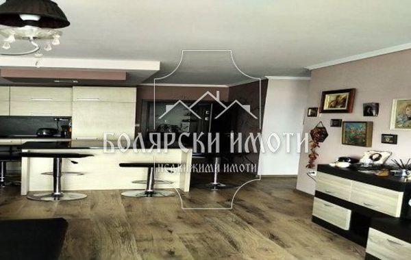 тристаен апартамент велико търново 6jhmlmsp