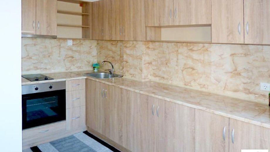 тристаен апартамент велико търново 6x4a2q69