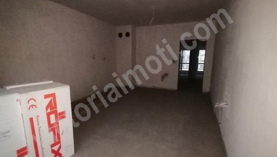 тристаен апартамент велико търново 776navpk