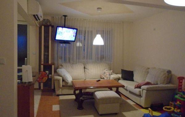тристаен апартамент велико търново 7mfnrc5x