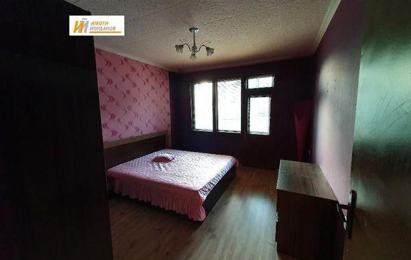 тристаен апартамент велико търново 98xj89x5