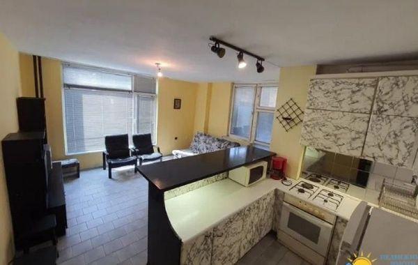 тристаен апартамент велико търново a24aw1qe