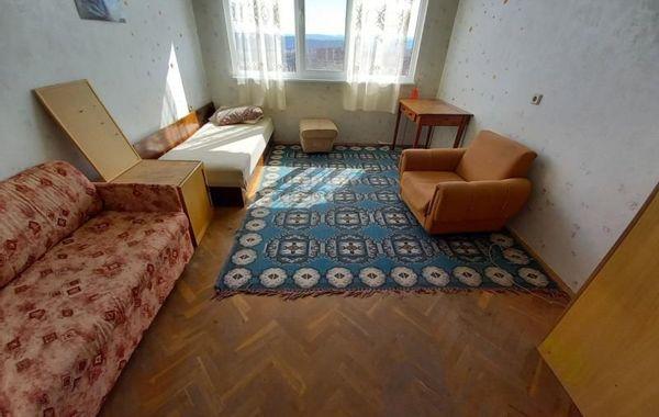 тристаен апартамент велико търново aaklmrtf