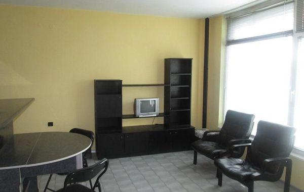 тристаен апартамент велико търново b24xsg2h