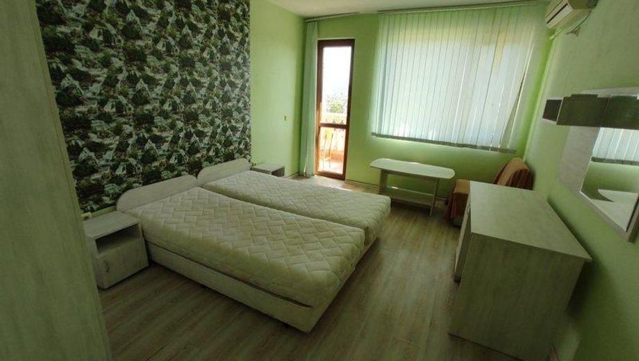 тристаен апартамент велико търново b59q6jjx