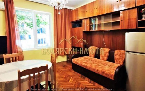 тристаен апартамент велико търново c9lsv88s