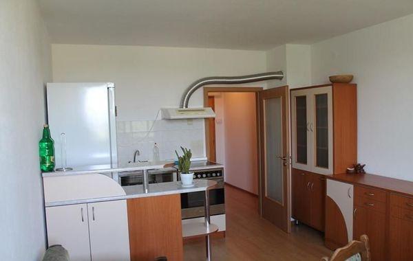 тристаен апартамент велико търново cbewdgpd