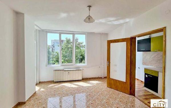 тристаен апартамент велико търново d58mc3v5