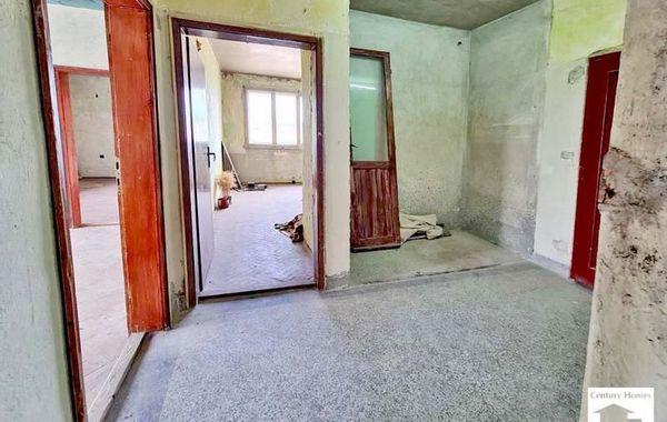 тристаен апартамент велико търново g9mmy12j