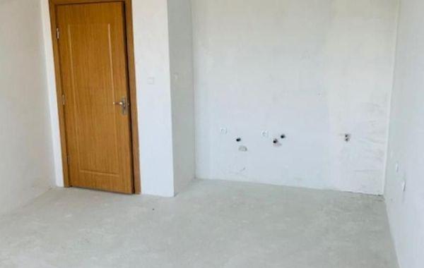 тристаен апартамент велико търново gb9ql3ac