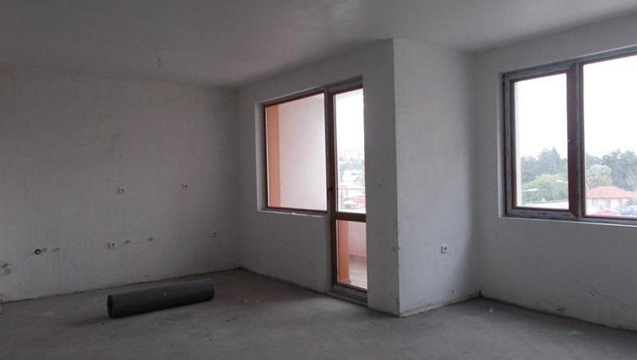 тристаен апартамент велико търново h3md1fpj