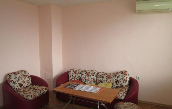 тристаен апартамент велико търново j3wn7ka8