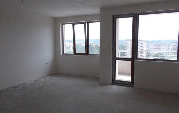 тристаен апартамент велико търново kb96ntsr
