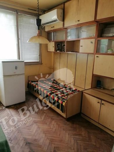 тристаен апартамент велико търново kmu611et