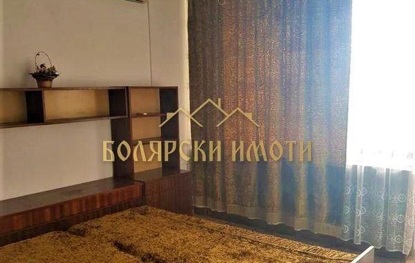 тристаен апартамент велико търново kvawsjda