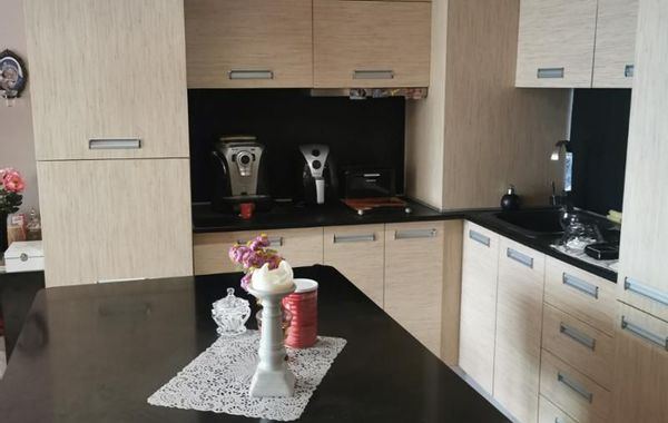 тристаен апартамент велико търново l4r95pru
