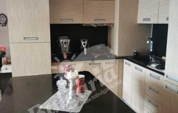 тристаен апартамент велико търново lb21gd4h