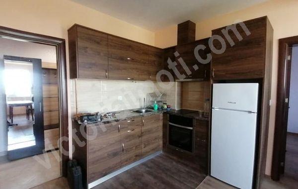 тристаен апартамент велико търново nlqlrv1v