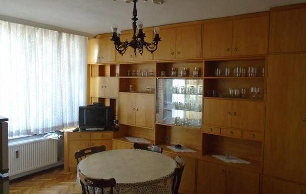 тристаен апартамент велико търново nw83ubdp
