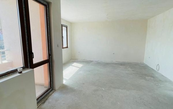 тристаен апартамент велико търново nxl84egy