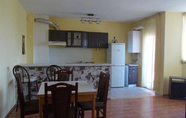тристаен апартамент велико търново qb4g5n6d