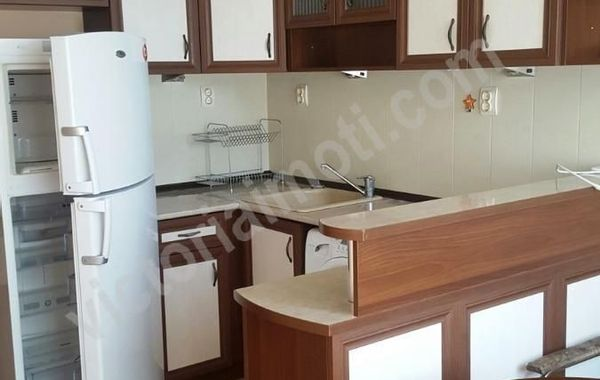 тристаен апартамент велико търново qn3gu7j5