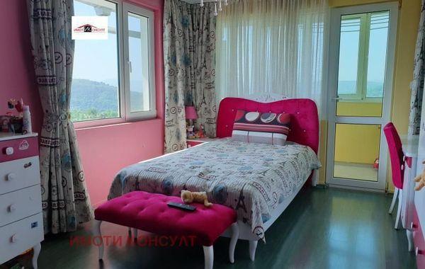 тристаен апартамент велико търново rveu6e6l