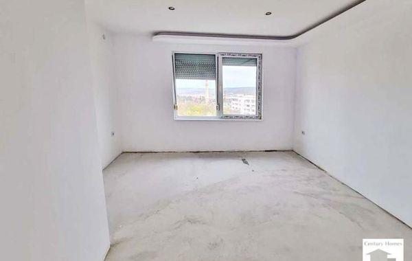 тристаен апартамент велико търново sbffknsw