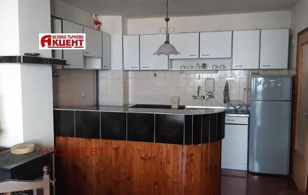 тристаен апартамент велико търново sfsr3ta7