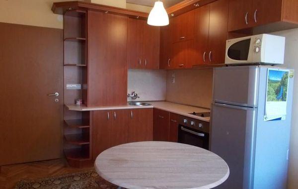 тристаен апартамент велико търново tgua89et