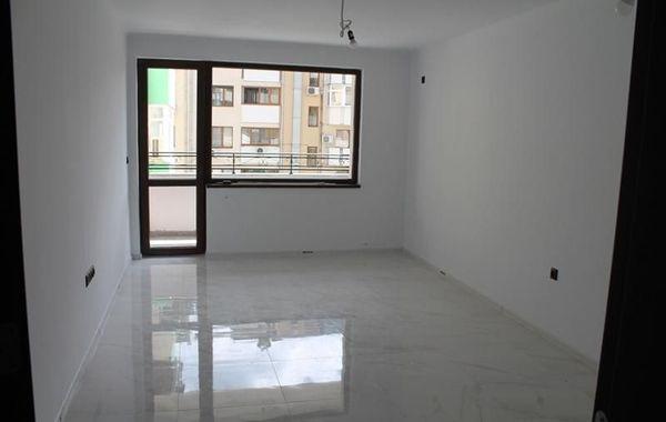 тристаен апартамент велико търново veag1ltx