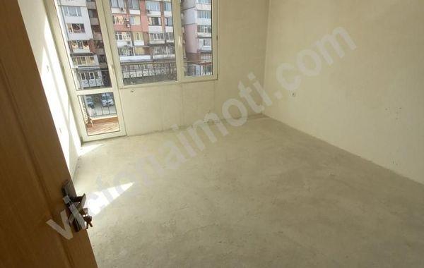 тристаен апартамент велико търново vjha3anv