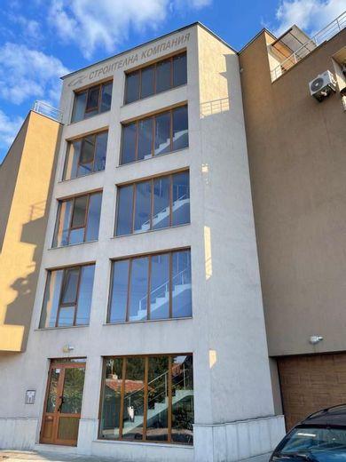 тристаен апартамент враца bhbynuwg