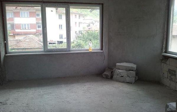 тристаен апартамент враца j7frhfa6
