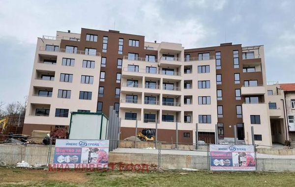 тристаен апартамент враца q1hwdbp8